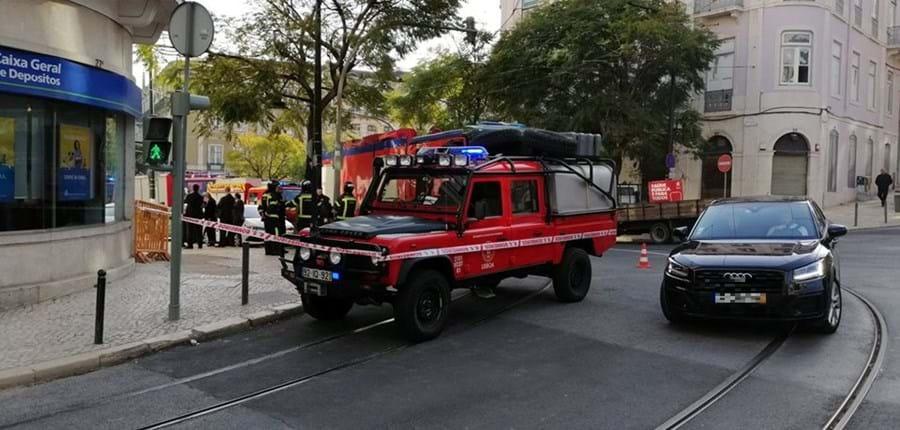Cheiro a gás leva a evacuação de prédio em Lisboa