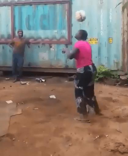 Dotes futebolísticos de mulher africana impressionam Donald Trump