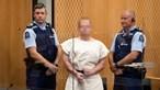 Terrorista que matou 50 pessoas faz gesto de supremacia branca em tribunal
