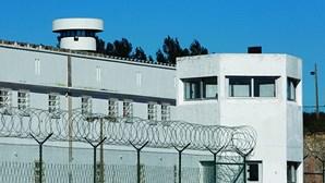 Recluso escapa do hospital prisão de Caxias em Oeiras. Autoridades fazem buscas