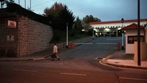 Ladrão dá tiro a si próprio e é deixado junto aos Sapadores do Porto