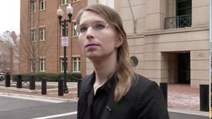 Chelsea Manning tenta suicidar-se