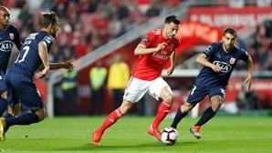 Águias empatam em jogo sofrido e ficam com os mesmos pontos que o FC Porto