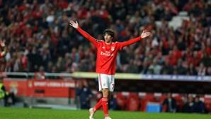 Defesa do Benfica oferece dois pontos ao FC Porto