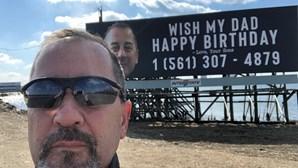 Homem recebe 20 mil chamadas de estranhos em dia de aniversário