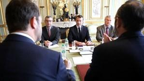 Primeiro ministro francês proíbe protestos dos 'coletes amarelos'