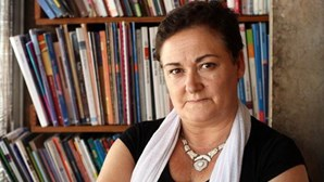 Professora demitida por divulgar exame de Português