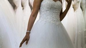 Vestidos de noiva e anéis pagam dívidas ao Fisco