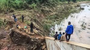 Bombeiros que atuaram em Brumadinho embarcam hoje para Moçambique