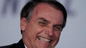 Bolsonaro vai ao cinema com a mulher em pleno horário de trabalho