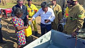 GNR monta equipamento que produz água potável em Moçambique