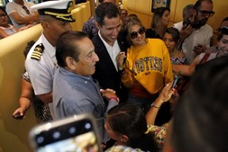 Juan Guaidó regressa à Venezuela e arrisca prisão