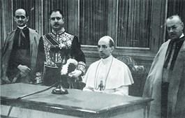 Cardeal  Eugenio Pacelli foi eleito Papa em 1939 e o seu pontificado terminou em 1958