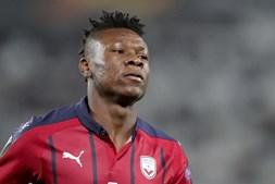 Mãe do futebolista nigeriano Samuel Kalu sequestrada