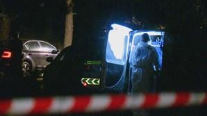 Mãe e filha encontradas mortas dentro de carro queimado na Lagoa de Albufeira