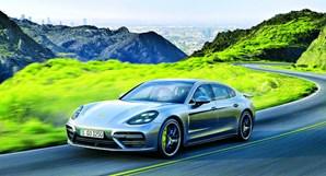 "Antes de comprar a nova ""bomba"", Cristina deslocava-se num Porsche Panamera"