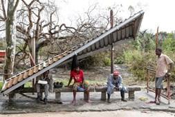 Sobreviventes do ciclone Idai tentam reconstruir a vida em Moçambique