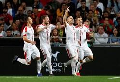 Seleção da Sérvia festeja golo