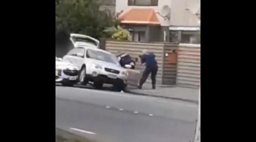 Nova Zelandia Ataque: Vídeo Mostra Momento Em Que Terrorista é Detido Após