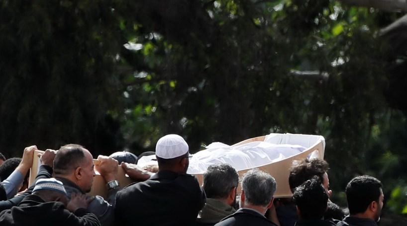 Começaram Os Funerais Das Vítimas Do Massacre Na Nova