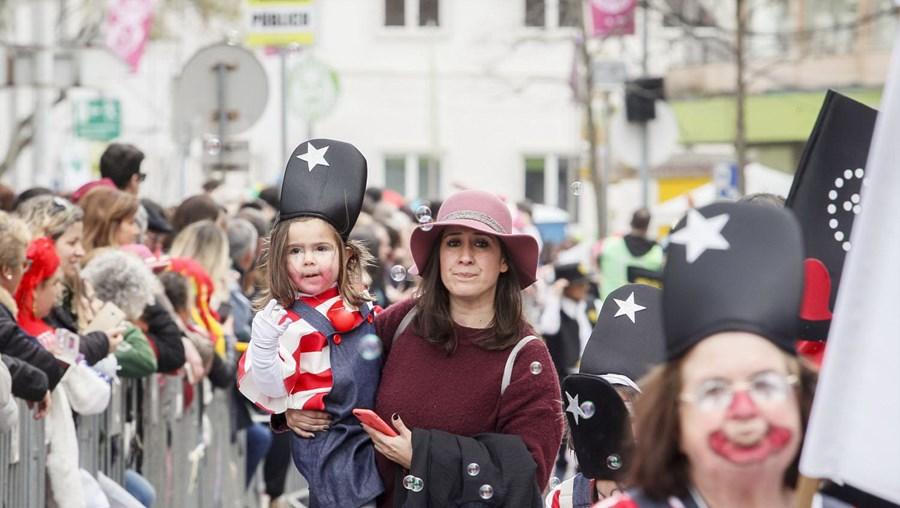 Crianças desfilam no Carnaval em Torres Vedras