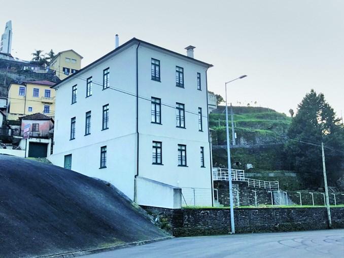 Casa em Crestuma custou 80 mil euros e terá sido paga em numerário