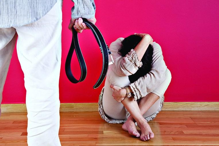 Mulher vítima de violência doméstica