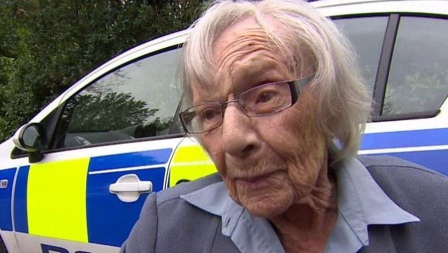 O desejo de Anne Brokenbrow já foi concretizado por três agendes da polícia