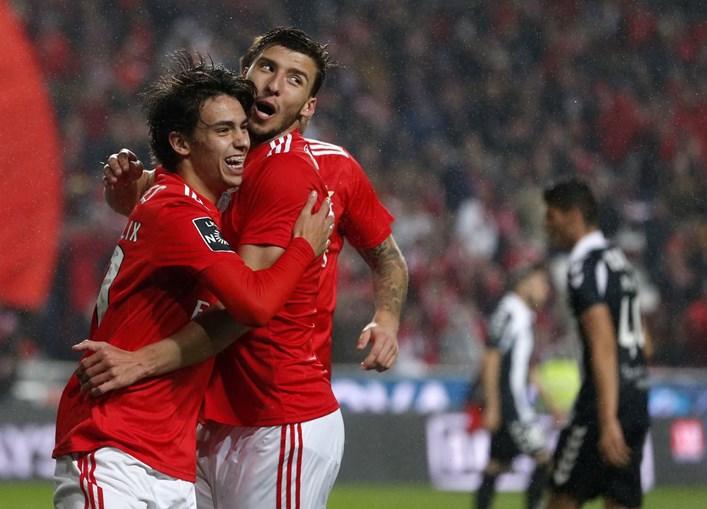 João Félix e Rúben Dias em jogo do Benfica