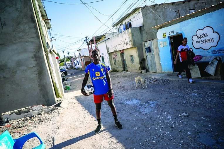 Almada viu crescer nos últimos 25 anos 43 novos bairros degradados, onde vivem milhares de pessoas