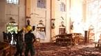 Vídeo mostra suspeito de um dos ataques suicidas a entrar em igreja do Sri Lanka