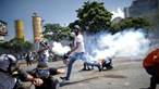 EUA prontos para enviar tropas para a Venezuela. Confrontos já provocaram um morto e mais de 100 feridos