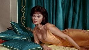 """Morreu a """"Bond Girl"""" Nadja Regin aos 87 anos"""