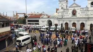 Presidente do Sri Lanka exige demissão do chefe da polícia e do ministro da Defesa após os ataques