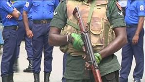 Três explosões durante tiroteiro entre autoridades e suspeitos de ataques