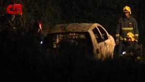 Corpo carbonizado encontrado debaixo de carro nas Caldas da Rainha