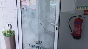 Pelo menos cinco cafés assaltados durante a madrugada no Porto