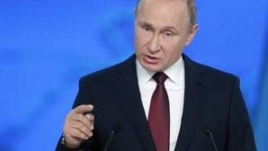 Rússia cancela principal fórum económico em São Petersburgo devido ao coronavírus
