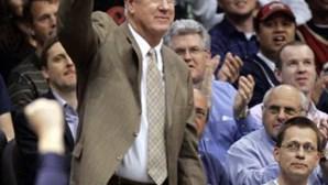 Morreu John Havlicek. Foi o melhor marcador da história dos Boston Celtics