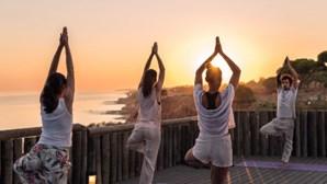 Quatro retiros de ioga fora de Lisboa