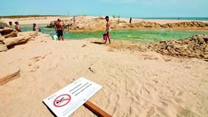 Passadiço liga Salgados à praia de Armação