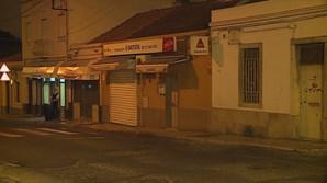 Dois funcionários de restaurante esfaqueados em rixa em Benfica