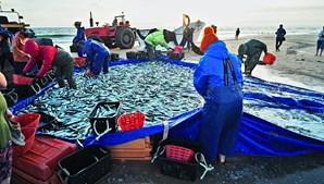 Pescadores revoltados prometem lutar pelos seus direitos
