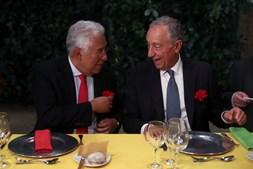 Marcelo e Costa juntam-se em jantar comemorativo da 'Revolução dos Cravos' em Lisboa