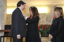 D. Américo Aguiar com a presidente da autarquia Luísa Salgueiro (à esq.) e Palmira Macedo, da assembleia municipal