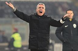 Luís Castro é treinador da equipa do Vitória de Guimarães