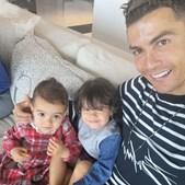 Cristiano Ronaldo volta a surpreender os seguidores com fotografia das 'princesas'