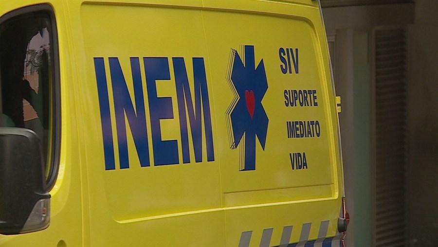 Mais de 90 técnicos de emergência pré-hospitalar do INEM estão há meses há espera de ambulâncias e médicos formadores
