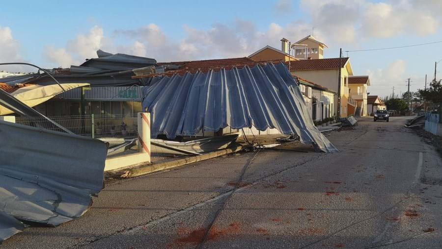 Concelhos afetados pelo furacão Leslie sem receber apoio por parte do Estado