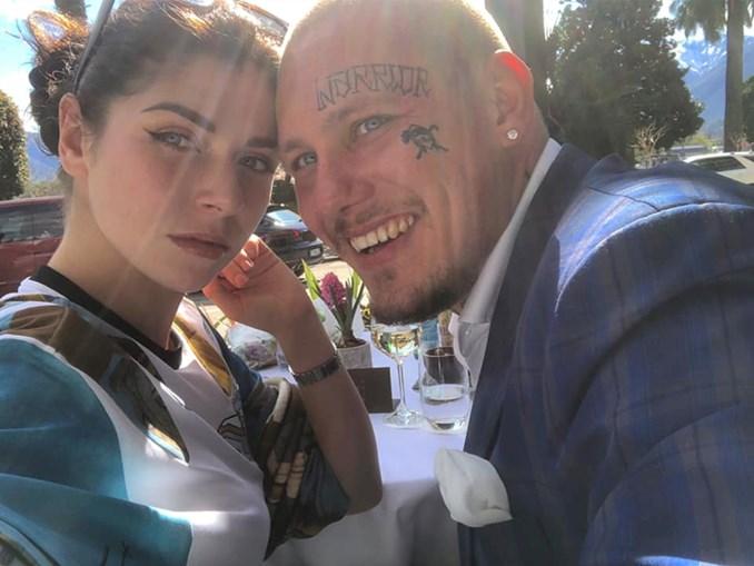 Anna Florence Reed e o namorado Marc